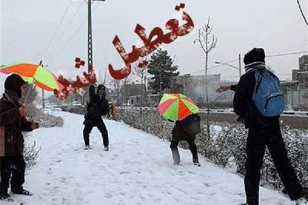 برف بعضی از مدارس گلستان را تعطیل کرد