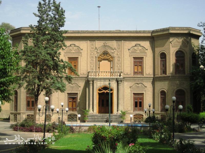خانه قوام السلطنه و موزه آبگینه