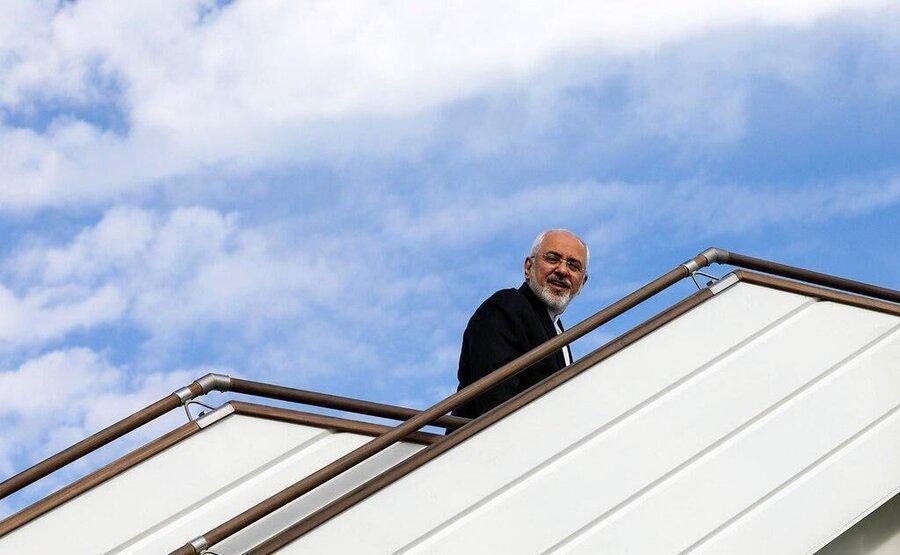 ظریف داکا را به مقصد جاکارتا ترک کرد