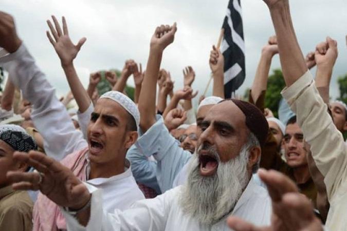 حمایت از مردم کشمیر در تظاهراتی در کراچی پاکستان