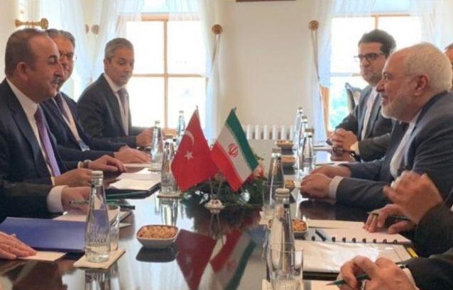 ظریف با وزیر امور خارجه ترکیه ملاقات و تبادل نظر کرد