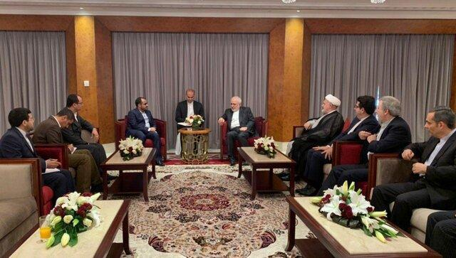 العهد: سفر ظریف به مسقط در راستای حل اختلافات یمن و عربستان است