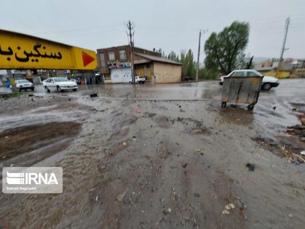 خبرنگاران بارندگی به مناطق شمال و شرق استان اصفهان خسارت زد