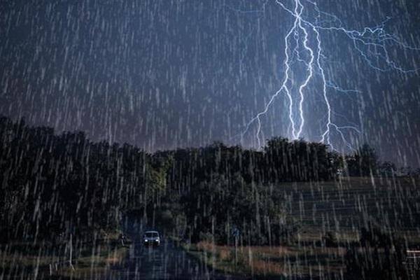 بارش باران و وزش باد شدید 5 روزه در برخی استان ها، هشدار امواج 3 متری در سواحل شمالی و جنوبی
